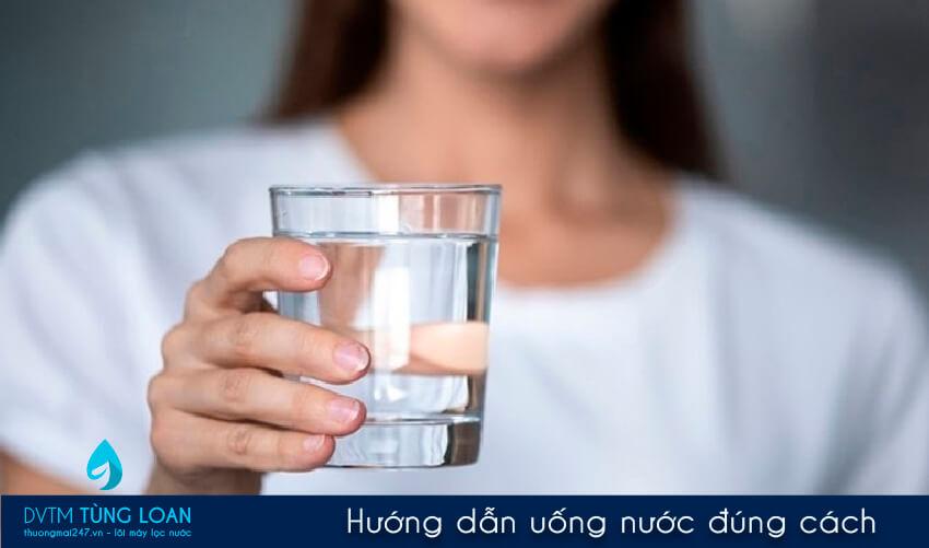Hướng dẫn uống nước đúng cách