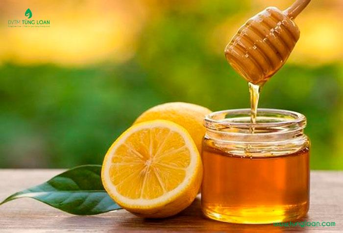 Làm trắng da toàn thân với chanh và mật ong