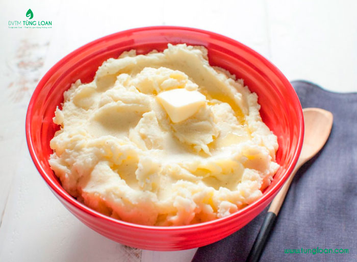 Sữa tươi không đường và khoai tây sẽ giúp da trắng lên thấy rõ!
